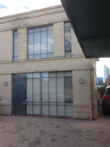 Perth Inner City Studio Apartment - Perth - Flat