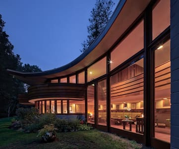 Frank Lloyd Wright's The Meyer House