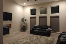 Luxurious 5 Bedroom house