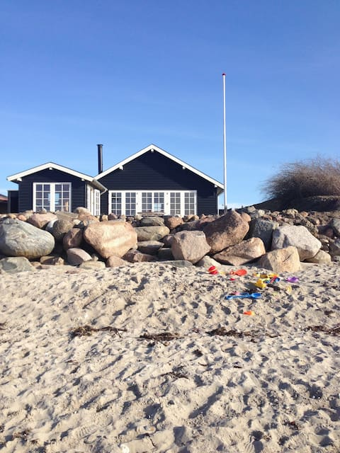 Holiday homes in the first place, sauna and own beach