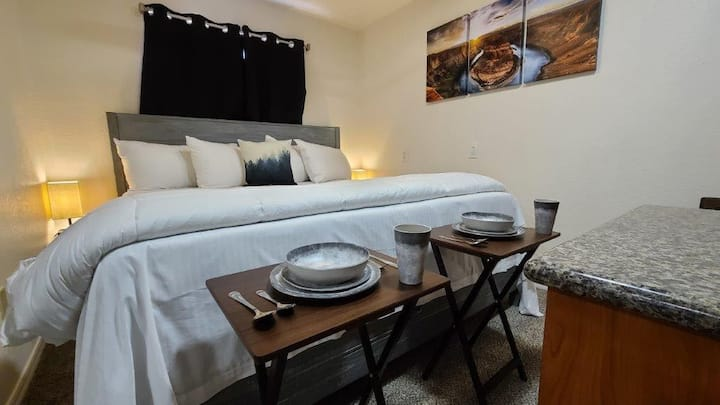 Grand Canyon Studio w/Full Kitchen & King Bed