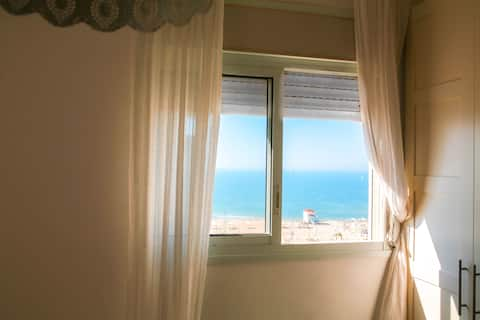 Good Vibes Beach Apartment (Sea view)