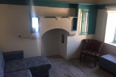 assos, sokakağzı, sivrice, akliman mevki köy evi