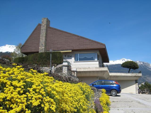 Deux chambres d'hôtes dans villa à Sierre