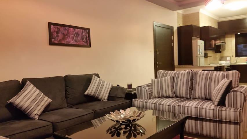 Cozy! Elegant & Private 2 Bedroom