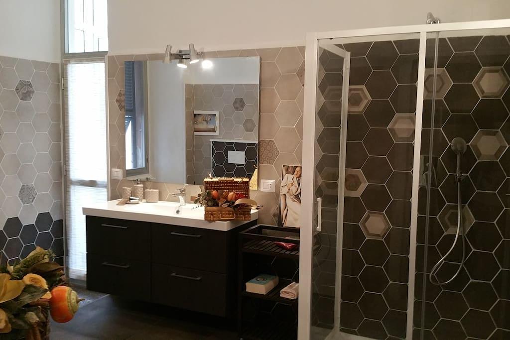 Vado da sabrina appartamenti in affitto a vado ligure - Non vado in bagno ...