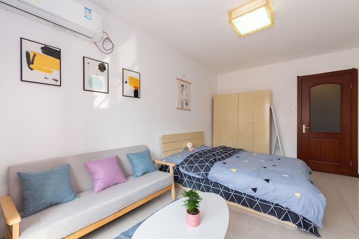 毛西西的温暖小屋之—小白楼—五大道下瓦房地铁附近现代简约一居室