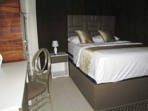 ROOM K4: YOUR COMFORT ZONE @ KING BASE GUESTHOUSE