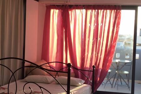 Top-floor studio flat in the Heart of Heraklion - Apartment