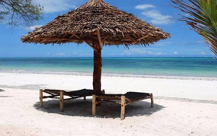 Kassandra beach bungalow nungwi