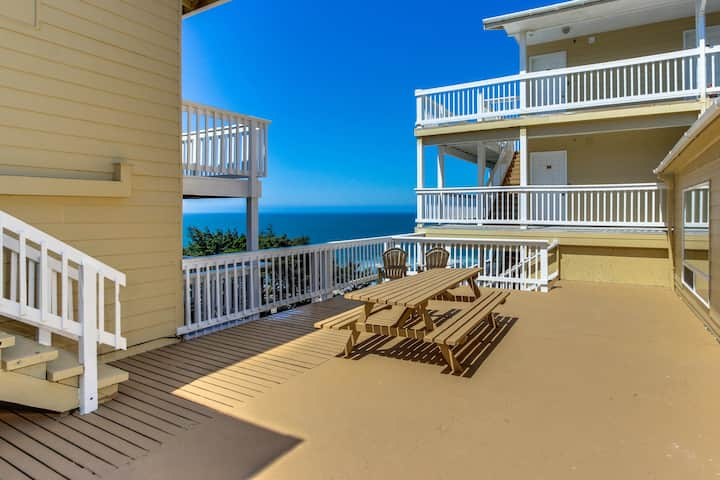 Romantic Ocean View Suite with Easy Beach Access, Dog-Friendly!