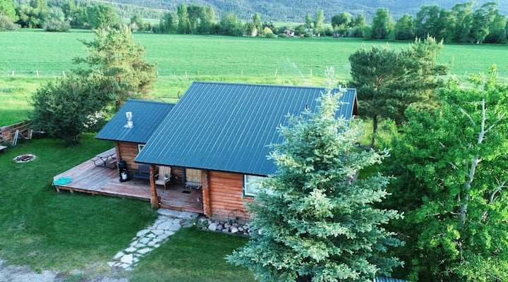Private Log Cabin Superb Location  near Jackson