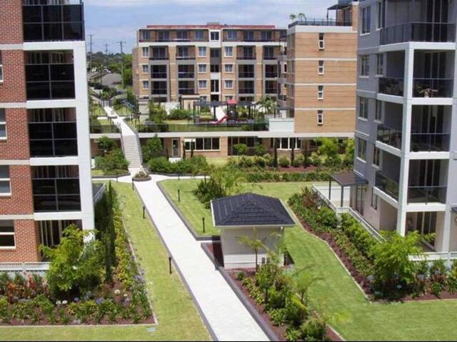 5min SYD airport 2BEDROOM/Free PARKING/ 4 Guest