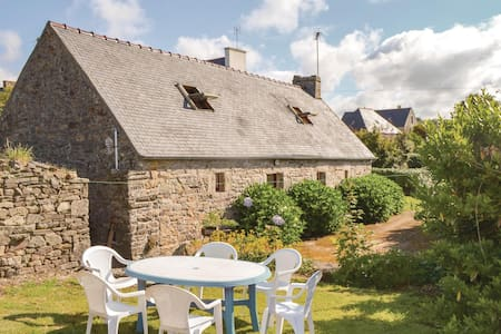 Holiday cottage with 3 bedrooms on 60m² in Plozevet