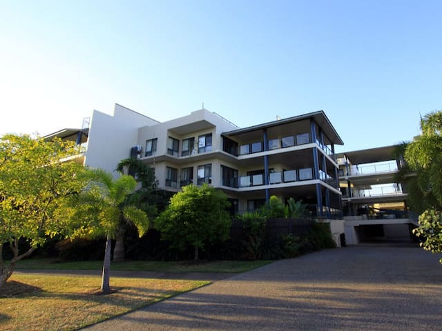 Entire 2 bedroom apartment close to CBD - Stuart Park - Departamento
