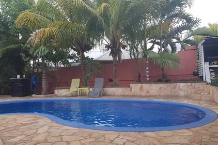 studio loft avec piscine commune