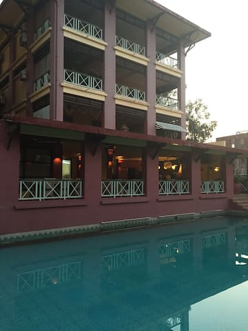 chambre dans hotel familial avec piscine - Krong Preah Sihanouk - Daire