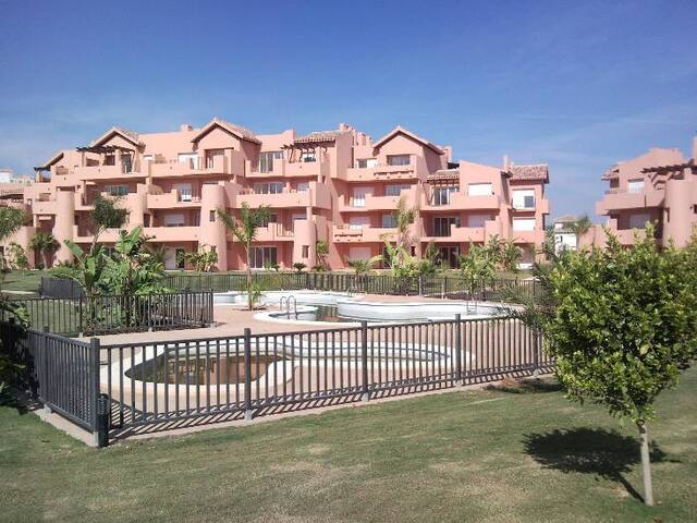 5* Golf Resort - Stunning 2 Bed, 2 Bath Apartment!