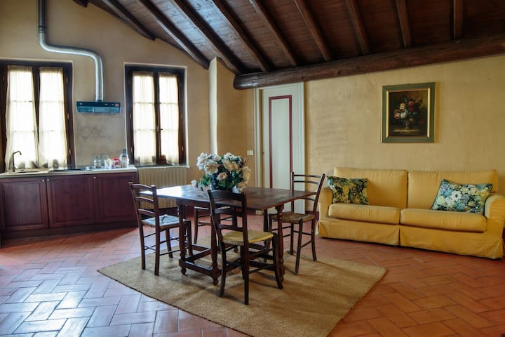 By Train to the Floating Piers. B - Cazzago San Martino - Apartamento