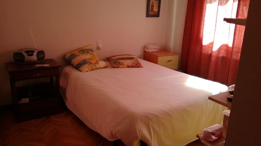 PISCINA, DESAYUNO, TRANQUILIDAD,WIFI