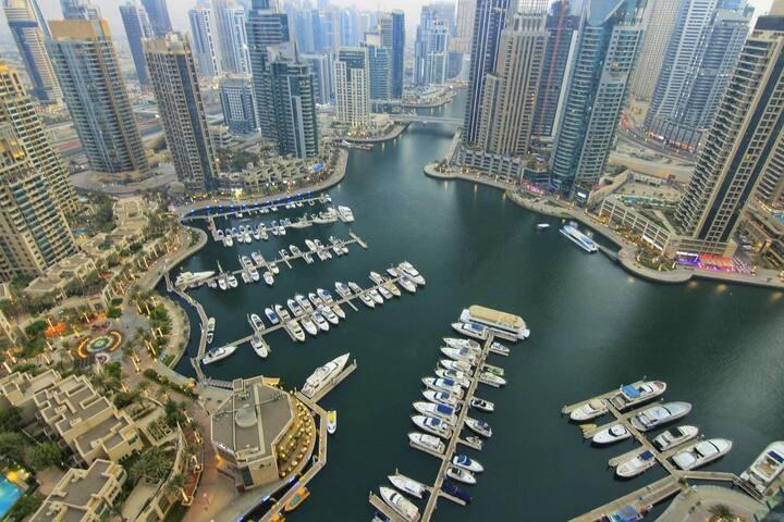 Beautiful 1BR Dubai Marina & Full Marina View