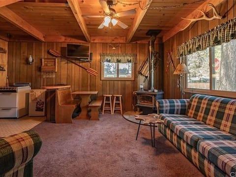 Cozy romantic or family getaway.