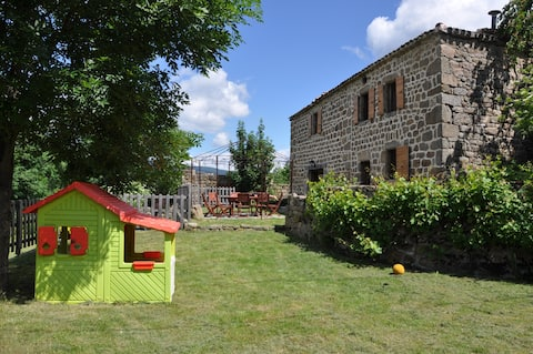 Old house with pool in green Ardèche