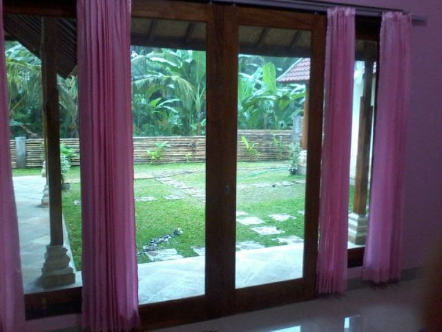 Memes House BagPaker - Bali - Bed & Breakfast