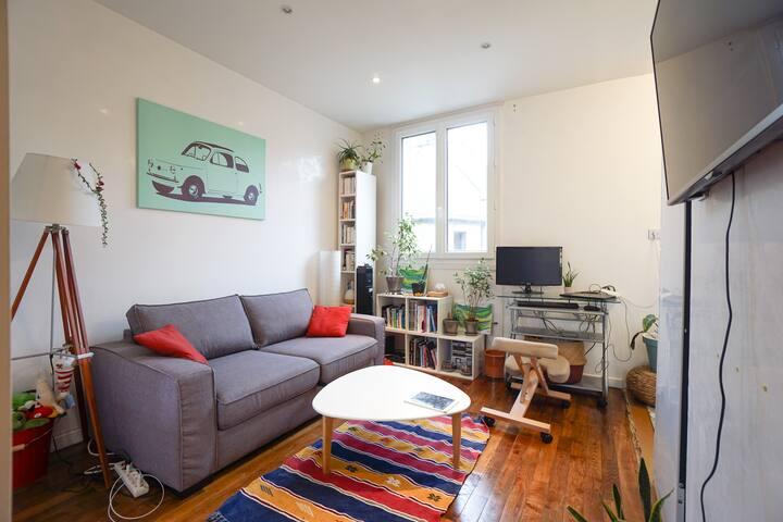 Nice modern studio near Paris
