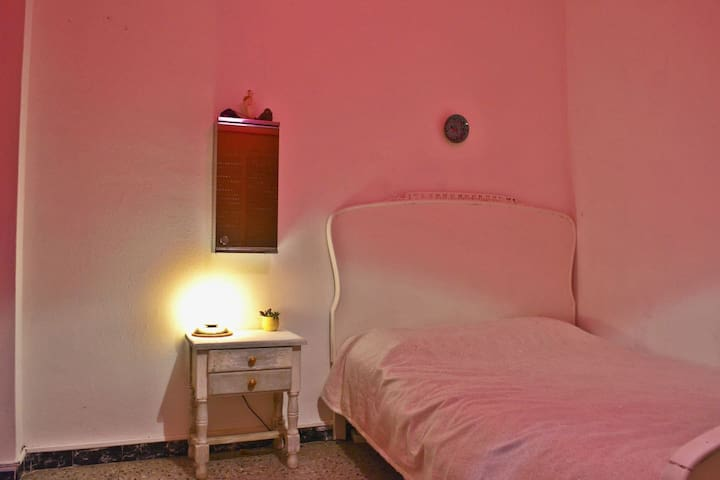 double room for TRAVELERS @ AMPOSTA