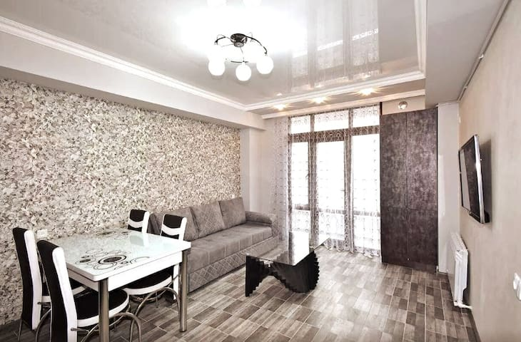 Cozy apartment for authentic Yerevan experience
