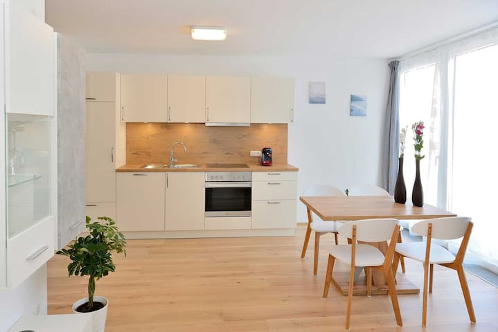 "Modern Apartment ""Habicht"" with Wi-Fi, Garden and Terrace, Parking Available"