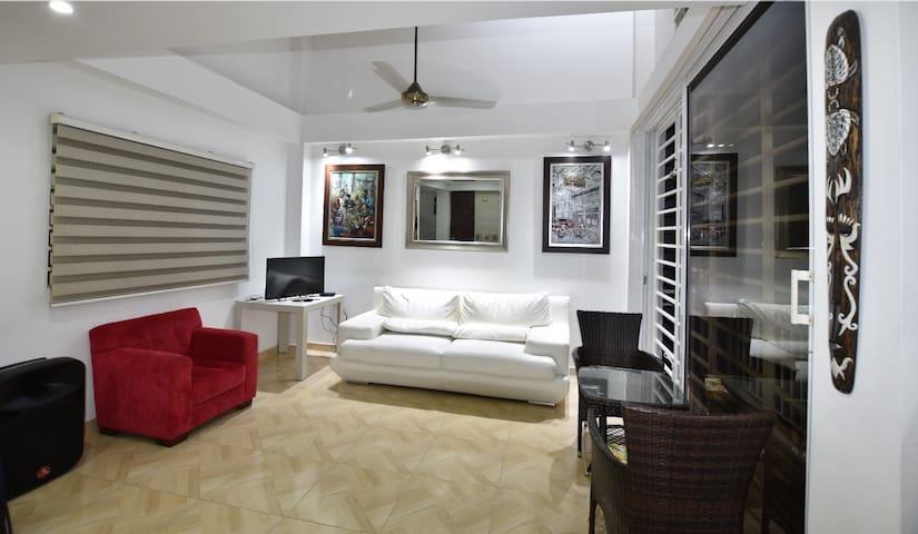 Hermosa habitación en bella villa para una pareja