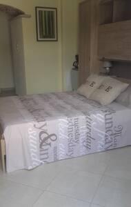 Chambre avec petite terrasse - Luri