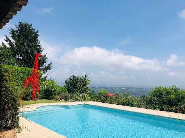 Villa with 180 degree sea view !