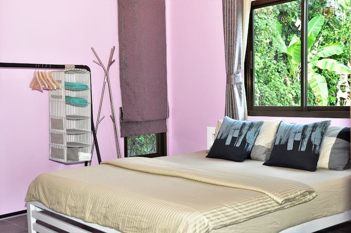 King-sized bedroom w/ private balcony - Binlar 6