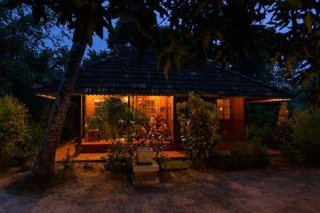 Heritage Marari - Deluxe Cottage - Mararikulam