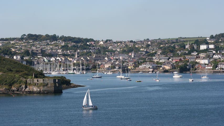 We are located just a short drive from the beautiful harbour town of Kinsale.