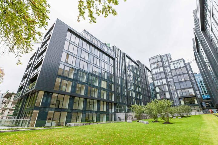 Superb Quartermile apartment with meadows views