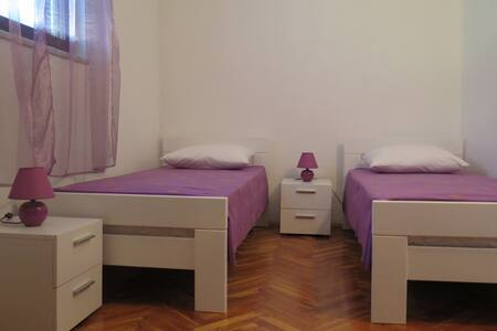 Apartment LAVANDA for 4, central - Starigrad - 公寓