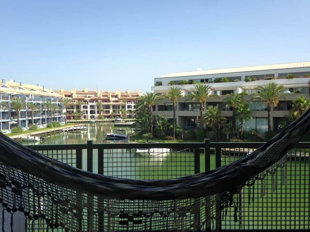 Lovely double bedroom apartment - Sotogrande San Roque - Lägenhet
