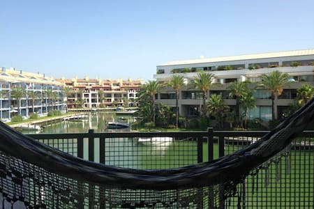 Lovely double bedroom apartment - Sotogrande San Roque - Lejlighed