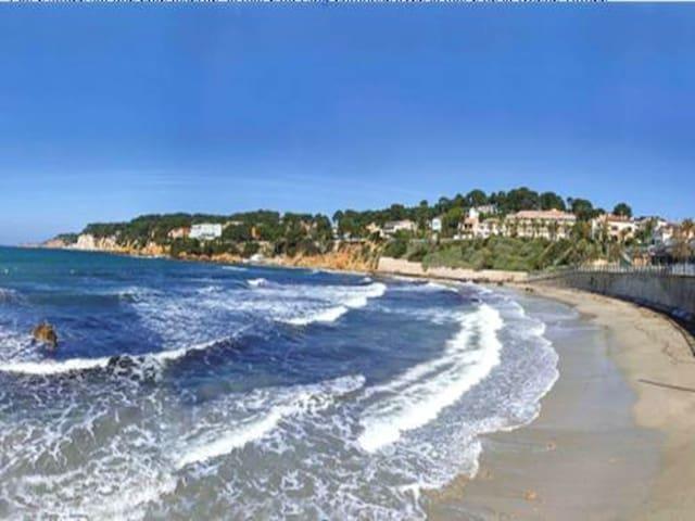 Beautiful studio near the beach