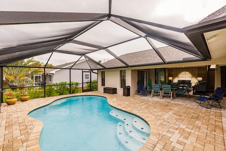 3 Bed 2 Bath Heated Pool Home in Fantastic Area!