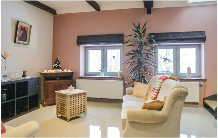Holiday cottage with 1 bedroom on 47m² in Basbellain