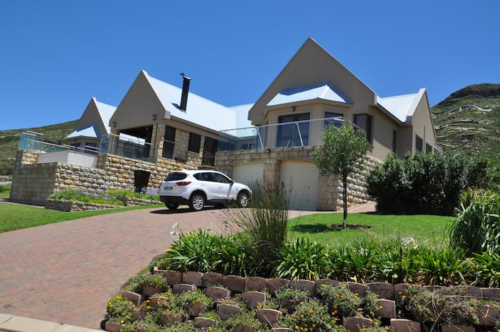 Clarens Grand Villa Midweek Stays - 3 Rooms