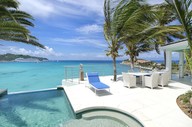 El Sueño - Ideal for Couples and Families, Beautiful Pool and Beach - Little Bay - Villa