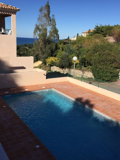 T3 de standing avec piscine vue mer appartements en for Piscine saint florent