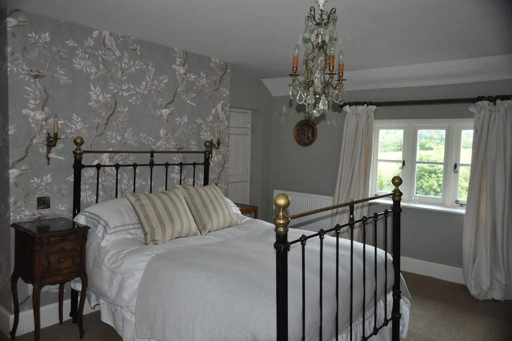 Luxury Double Bedroom - Triple Aspect