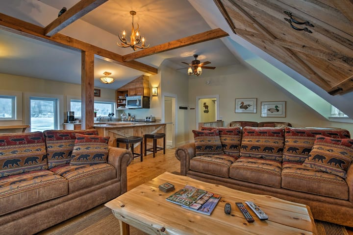 Lakefront Family Home w/ Fire Pit, 13 Mi to Stowe!